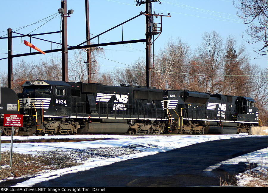 NS 6934, 1016 yard power for the day